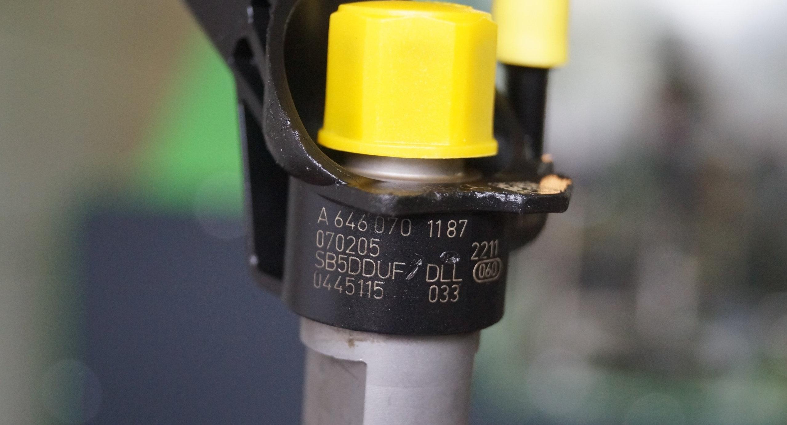 Injector / Injectoare Mercedes Sprinter Vito 2.2 CDI, 0445115033